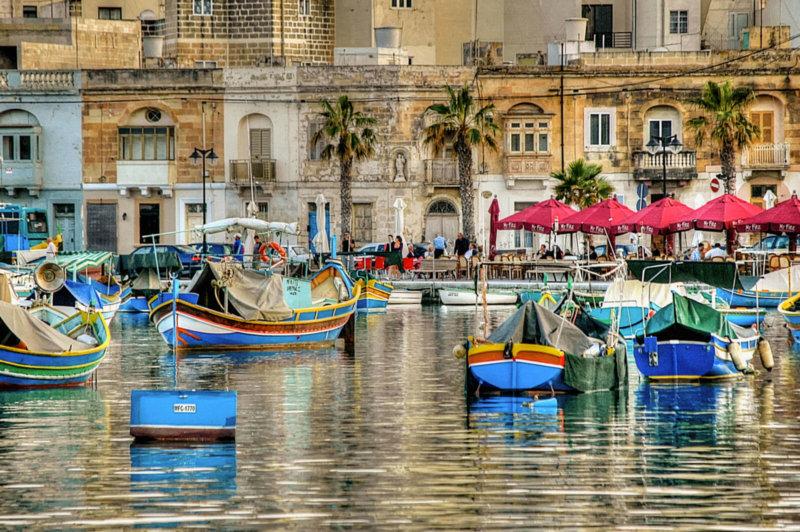 Puente de Noviembre en Malta con Politours