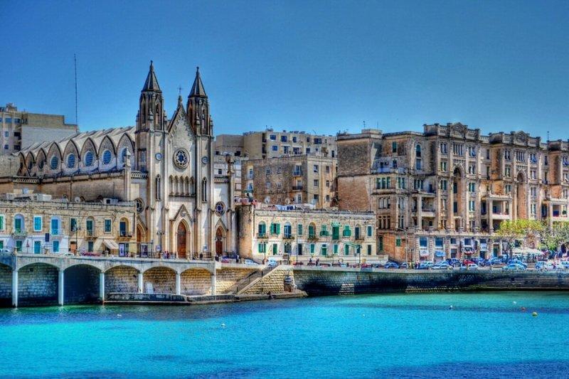 Vuela a Malta desde Ibiza
